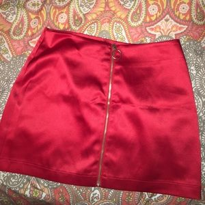 SATIN RED MINI SKIRT